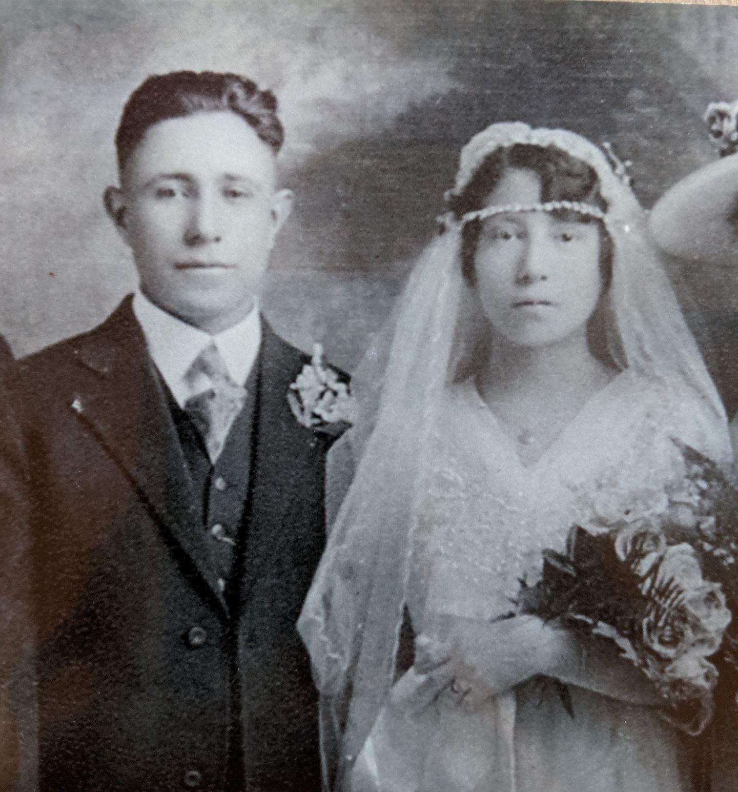 Wedding portrait Santiago and Rose Lueras
